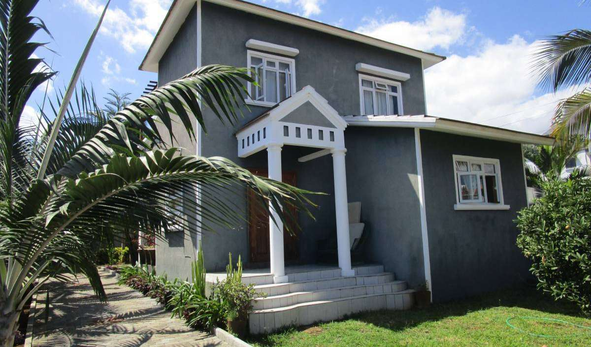 hotels near the museum and other points of interest in Flic en Flac, Mauritius